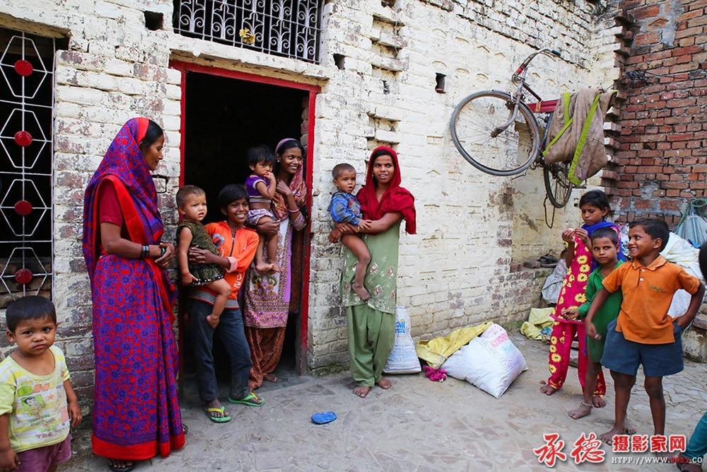 优秀奖:贫穷乐观的印度人 如月清幽