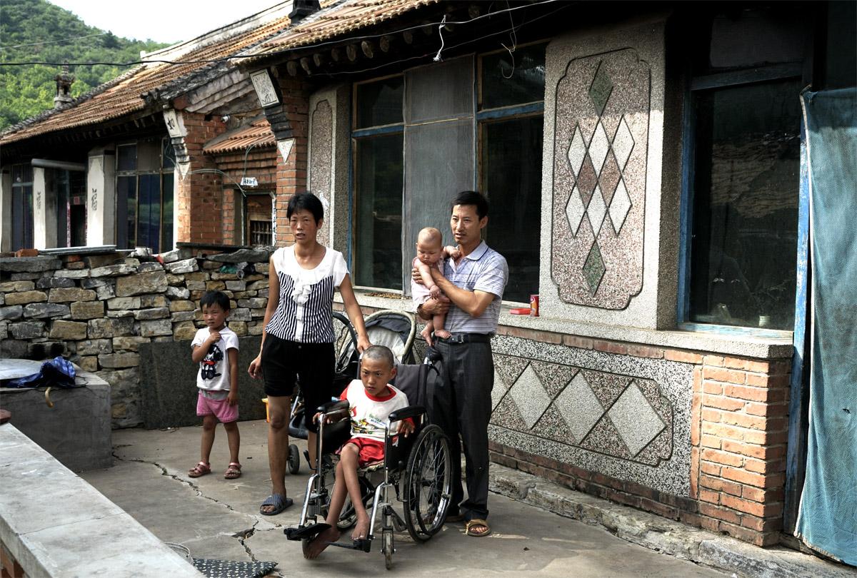 A6刘存儒智力低下的妻子还有两个年幼的孩子