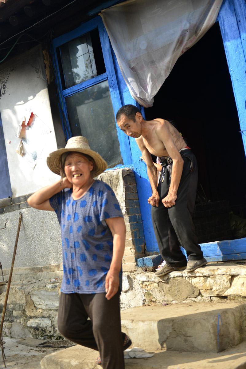B2.王振国家八十岁体弱多病的老母亲