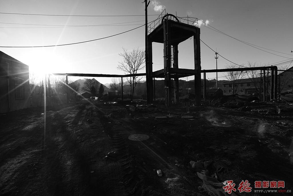 3.即将消失的矿井-燕峰