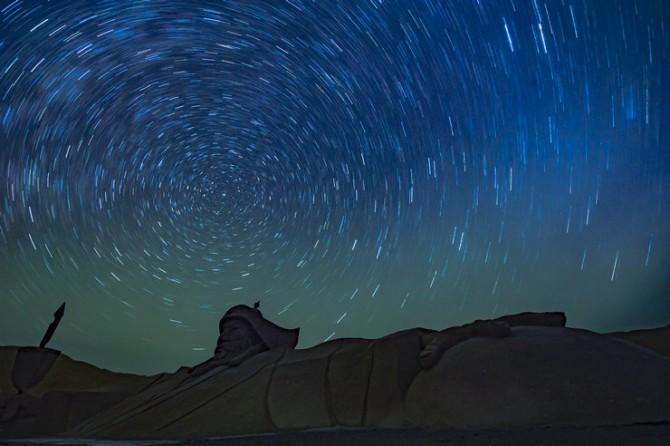 09号 《沙漠星迹》.jpg