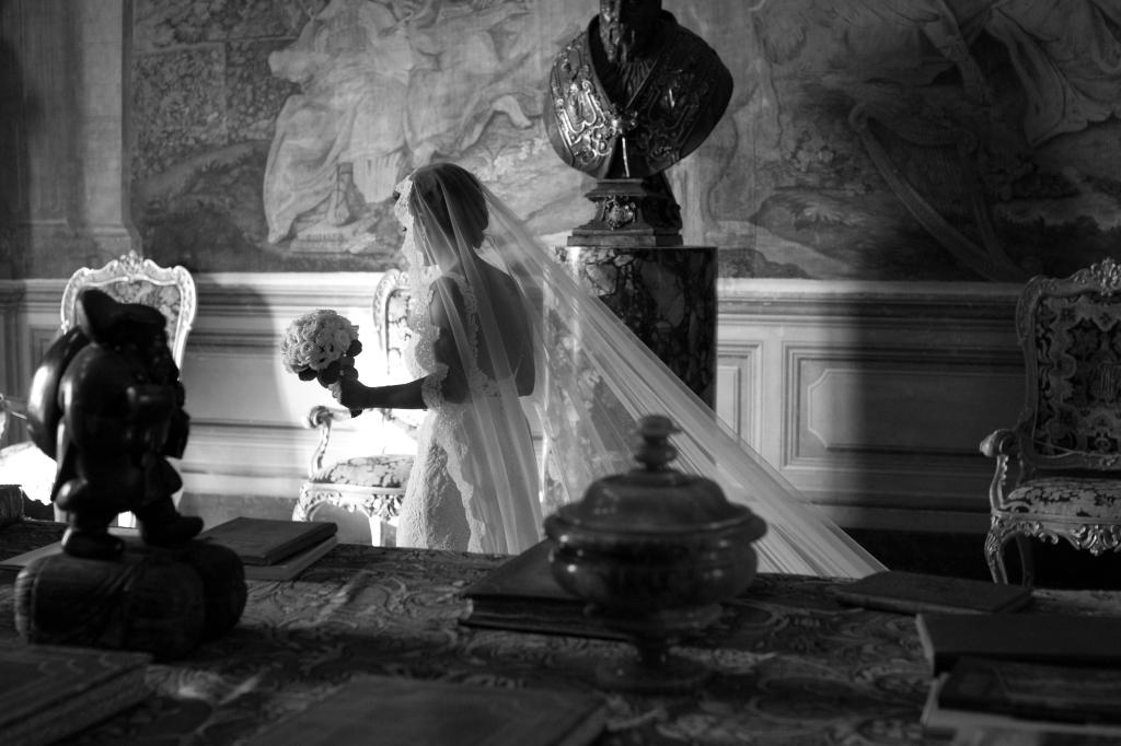 """中国第17届国际摄影艺术展览拟入展作品公示之主题类(组)Vito Gallo""""Bride""""Italy"""