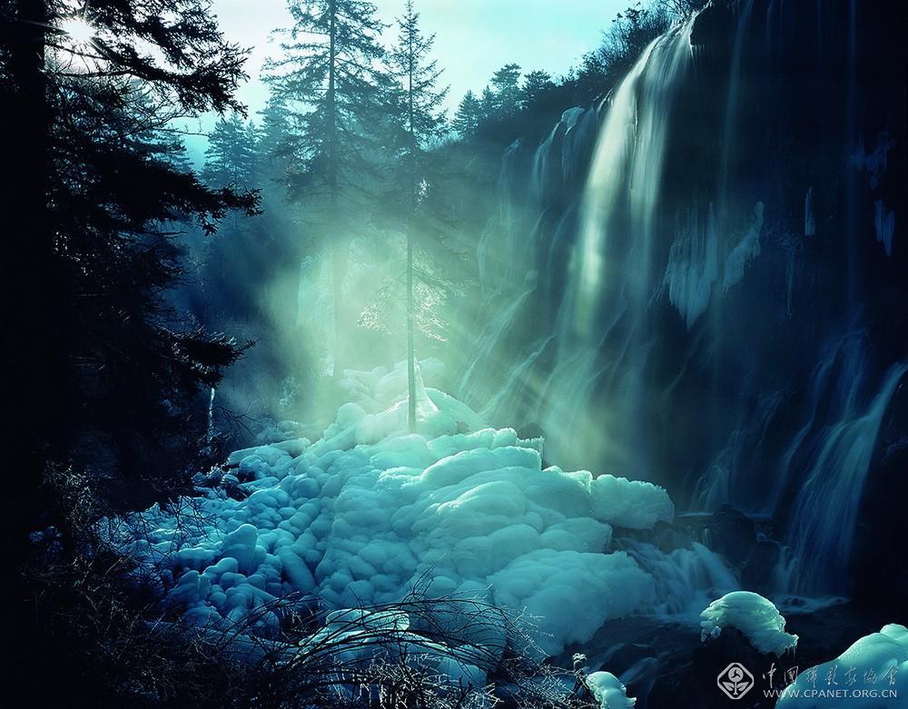 冬瀑,2001 年 王达军 摄.jpg